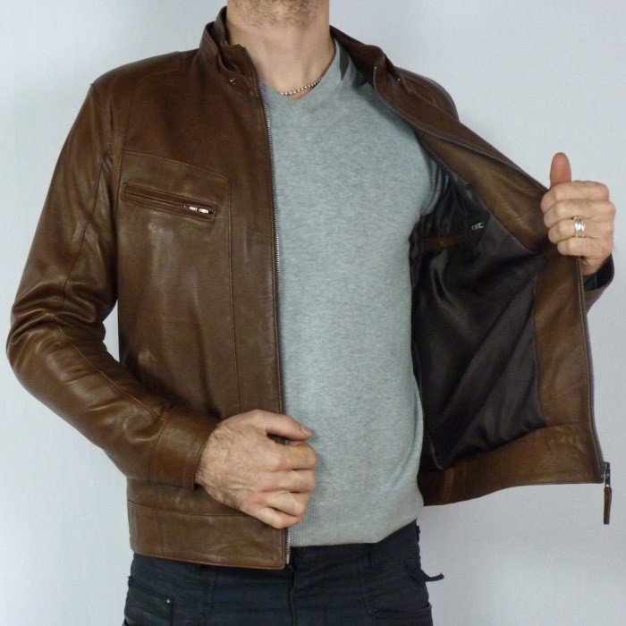 photo homme veste cuir marron