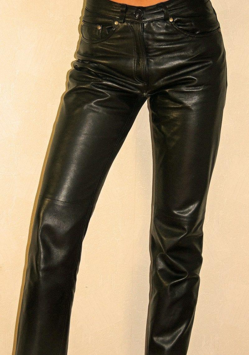 pantalon cuir femme dos